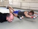 Rückentraining mit Hanteln gehört auch bei Campinos Training bei KAMINARI dazu