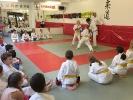 Hiroyuki Inagaki als Schiedsrichter beim Karate-Training bei KAMINARI