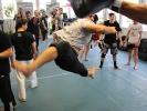 Gesprungene High-Kicks gibt es nicht nur in Hollywood, sondern auch bei KAMINARI. Foto: Achim Albers