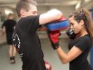 Beat-Kick verzichtet völlig auf Sparringskämpfe. Dennoch werden effektive Kickbox-Techniken gelehrt.