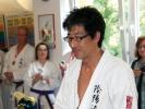 Großmeister Hiroyuki Inagaki konnte der Sportschule KAMINARI bereits mehrfach den Pokal für Düsseldorfs bestes Inyo Ryu Dojo überreichen.