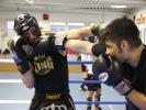 Im Kickboxen wird im Vollkontakt gekämpft, mit und ohne Kopfschutz.