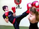 Kickboxen bei KAMINARI ist nicht nur etwas für Männer.