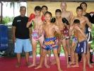 André Allerdisse (hinten), der Inhaber von der Sportschule KAMINARI, trainierte bereits mehrfach in Thailand, um das authentische Muay Thai zu erlernen.