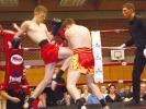 Die Thaiboxer von KAMINARI nehmen regelmäßig an Wettkämpfen teil, jedes Mal in Begleitung zahlreicher Fans.
