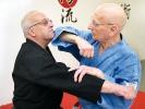 Eine gute Verteidigung hat nichts mit dem Alter zu tun: Georg Flach ist bereits über 85.